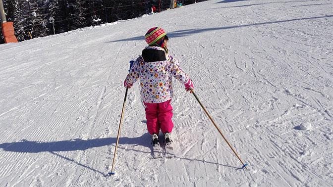 5歳の子どもがスキーで滑れるようになる、5つの方法