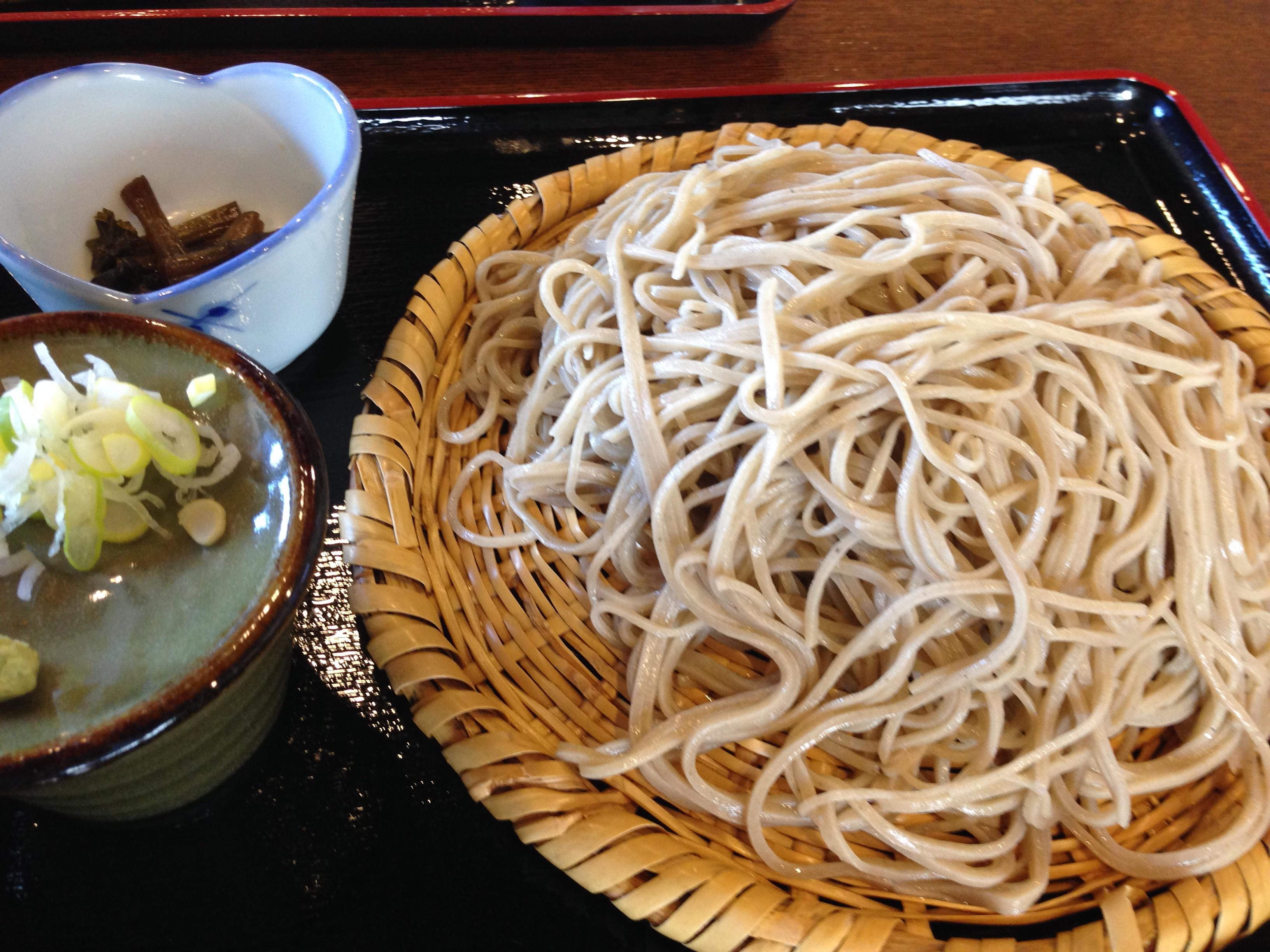 一度はよってほしい、木島平村観光協会案内所+直売所+樽瀧(たるだき)